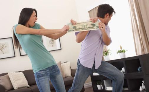 если мама подарила деньги на машину как они делятся после развода