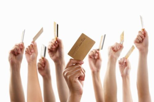 polzuetes-li-kreditnymi-kartami
