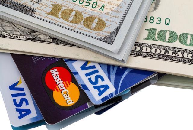 kreditnaya-karta-v-valyute
