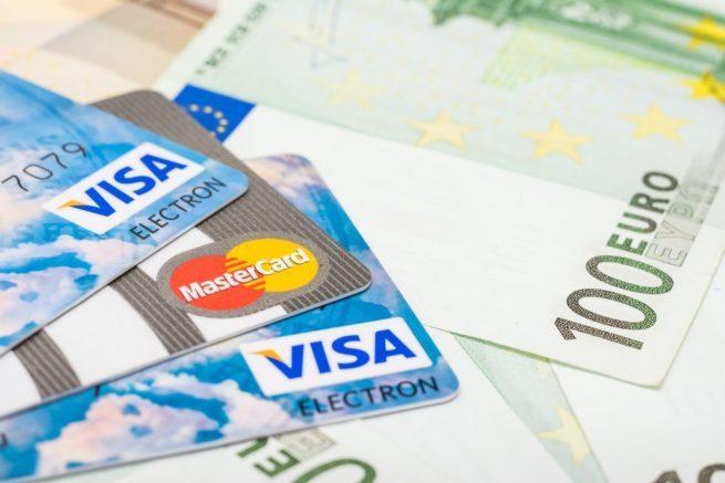 nadezhnaya-valyutnaya-kreditnaya-karta